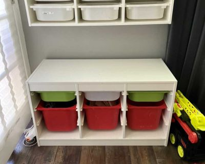 Toy storage units (all pictured)