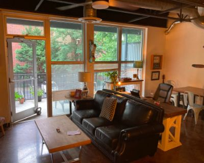 Urban Loft with Tons of Personality, Chamblee, GA