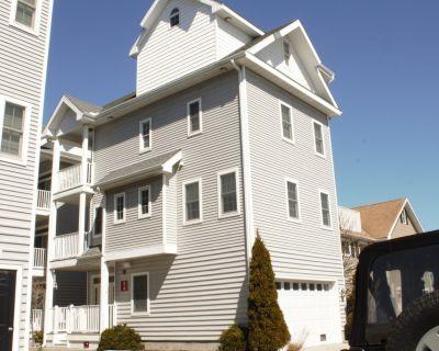Beautiful Single Family Home, Professional Decor., 1 Block to Beach & Boardwalk - Ocean City