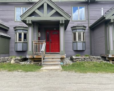 Jay Peak Ski-in/out Townhome - Orleans County