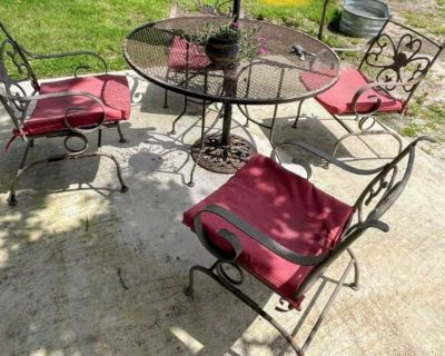 Outdoor patio set table w/4Coil Spring Motion Wrought Iron Chair