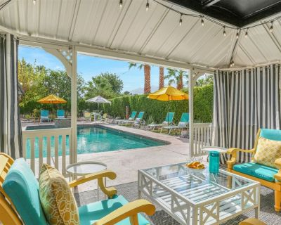 Outdoor Resort Feel With Mid Century Mod Magic Inside. You'll Never Want to Leave Sunshine On Sunrise! - Palm Springs