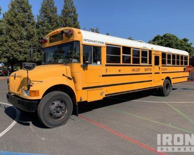 2001 International 4x2 Passenger Bus