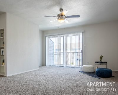 The location you want . . . the luxury you deserve! apartments in Briarforest ..
