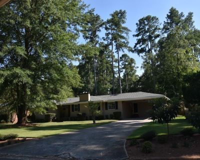 A cozy single family house located just in the center of Augusta! - Summerville