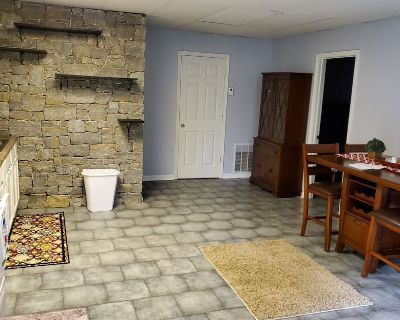 Cozy & Quiet cottage minutes from downtown Louisville - Sellersburg