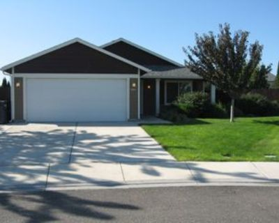 5814 Austin Ct, Pasco, WA 99301 3 Bedroom House
