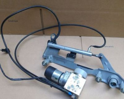 Mercedes W215 Cl500 Cl600 Cl55 Cl65 Trunk Remote Locking Lock Vacuum Pump Hinges