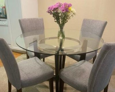Modern dining set - glass table and 4 chairs