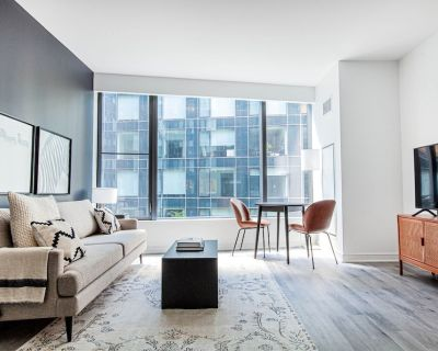 Deluxe Navy Yard 1BR w/ Gym, Pool, W/D, steps from Metro, by Blueground - Capitol Riverfront
