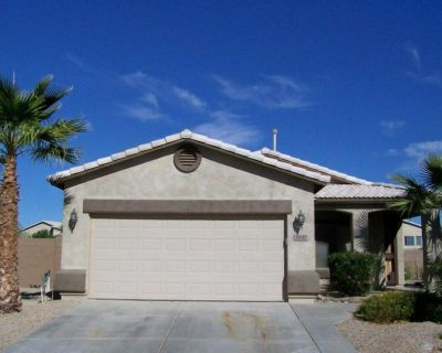 Beautiful Outdoor patio with private Pool on a Golf Course, 1600 Sq.Ft Bungalow - San Tan Valley