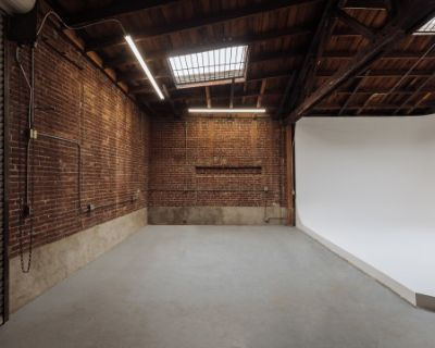CREATIVE SPACE + CYC + PARKING + GROUND FLOOR LOAD-IN + ARTS DISTRICT, Los Angeles, CA