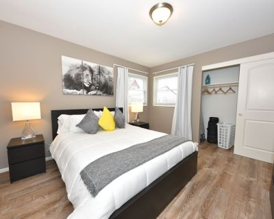 Awesome 3 Bedroom Lower - New Remodel - West Allis