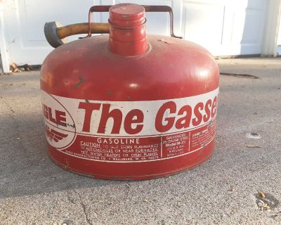 """Vintage Gas can """"The Gasser"""""""