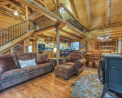 Natural log cabin w/guest house & game room, perfect for family vacations! - Idyllwild