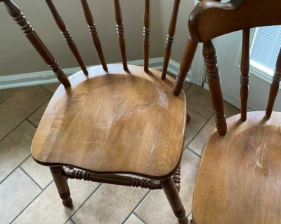 Kitchen chairs 2 for $20