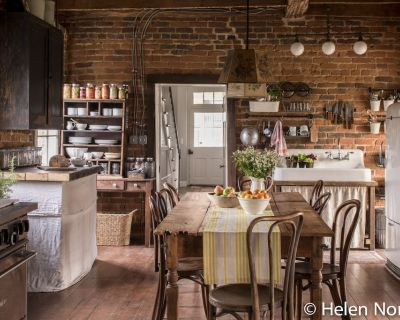 Restored 1820 Waterford Village Farmhouse - Waterford