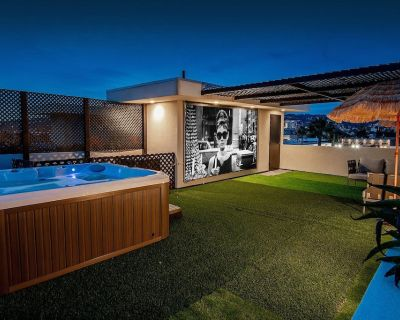 Luxury Hollywood home with jacuzzi on the roof - Hollywood