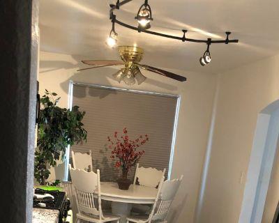 Private room with shared bathroom - Phoenix , AZ 85006