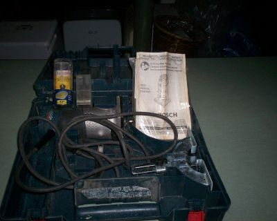 bosch colt 1.0 hp. router with bits
