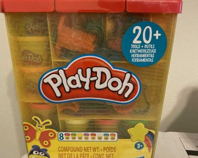 New Play Doh Large Tools and Storage Activity Set