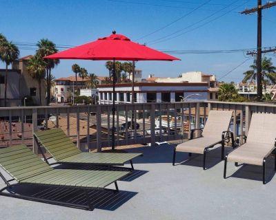 Downtown HB Studio- Amazing location, steps to shops, restaurants, bars, beach - Huntington Beach