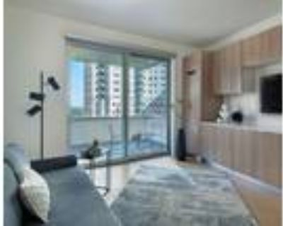 Wilshire Margot - Furnished Co-Living Studio Suite With Balcony