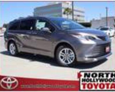 2021 Toyota Sienna Limited 7 Passenger