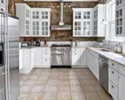 2 Hazard Ave, Newport, RI 02840 5 Bedroom Apartment