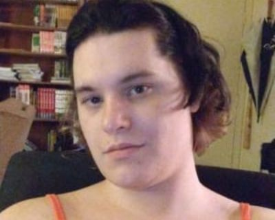 Gwyn, 21 years, Female - Looking in: Denver CO