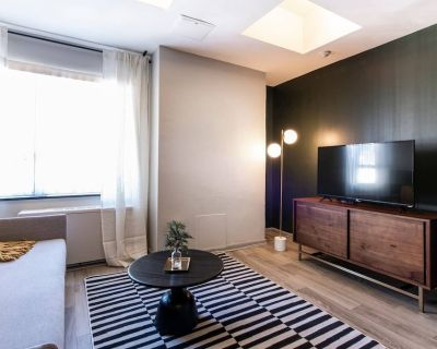 Abode | Vue at 3rd | Downtown 1-Bedroom