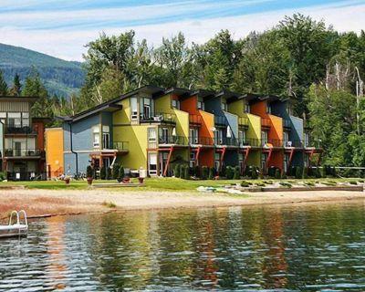 Shuswap Lake Resort - Lake Front - Scotch Creek