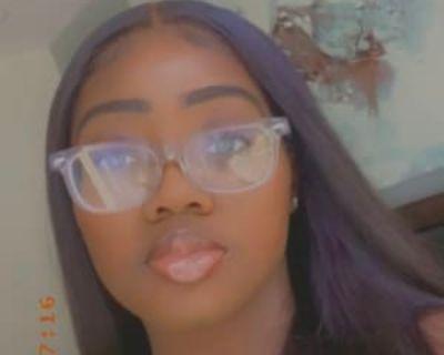 Gabrielle D, 18 years, Female - Looking in: Norfolk Norfolk city VA