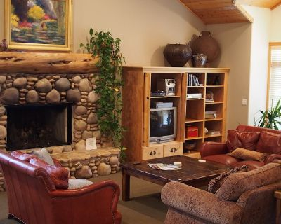 White Pines 5-Bedroom 5-Bath Luxury Home in Solamere / Lower Deer Vall - Park City