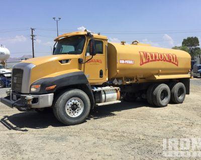 2014 Cat CT660S 4000 gal 6x4 T/A Water Truck