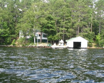 Lake of Bays - patio and deck at waters edge, sun all day from 11:00 AM. - Dwight