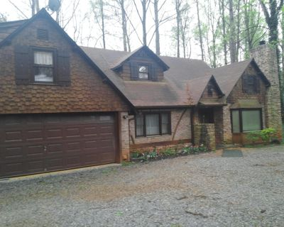 Atlanta, Decatur,Stone Mt- Indoor Heated Pool, House + Mother-in-law Suite, $300 - DeKalb County