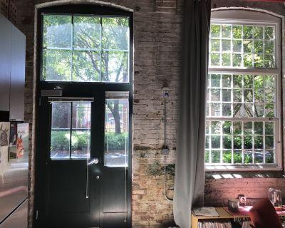 Ground Floor Loft - long term sublet - Cabbagetown