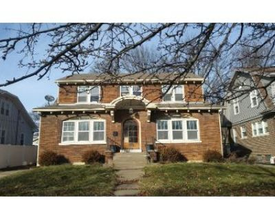 4 Bed 5 Bath Preforeclosure Property in Quincy, IL 62301 - Spring St