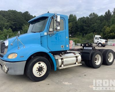2005 Freightliner Columbia 112 6x4 T/A Day Cab Truck Tractor