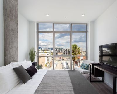 Upscale 2BD Apartment Minutes to Americana - Downtown Glendale