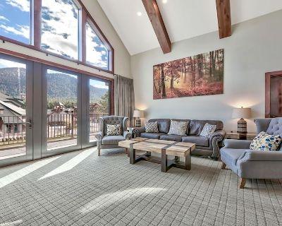 3Br Luxury Residence steps to Heavenly Gondola & Village - South Lake Tahoe