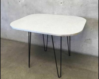 1950s crushed ice Formica Table with Hairpin legs