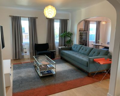 Los Angeles Modern Home with Home Gym, Laundry, Parking, AC, Sauna - Mid-Wilshire