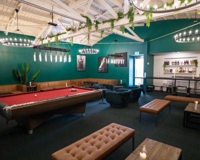 La Cienega Trendy Bar & Lounge, Los Angeles, CA