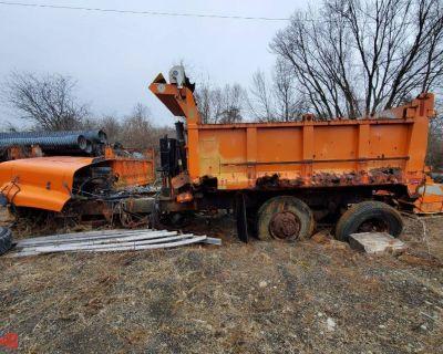 2000 INTERNATIONAL 2674 Dump Truck Bodies Truck