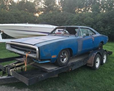 68, 69, 70 Dodge Charger! I'm looking for a good parts car or one to restore!!
