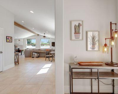 3BD #065771Private Oasis w/Stunning Kitchen Pool Spa. Near Old Town Golf Tennis - Desert Club Estates