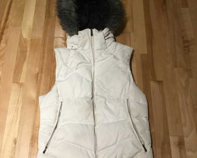 Columbia down vest with hood (size M)