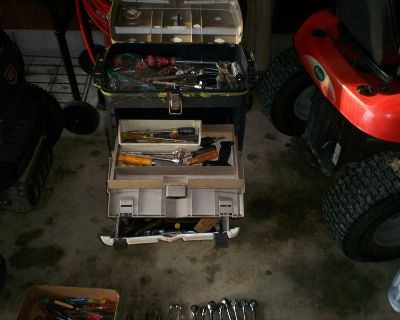 rolling plasice toolbox and a lot of tools